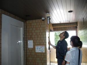 玄関ホール防火戸と煙感知器