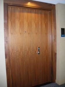 ⑧タワー玄関2